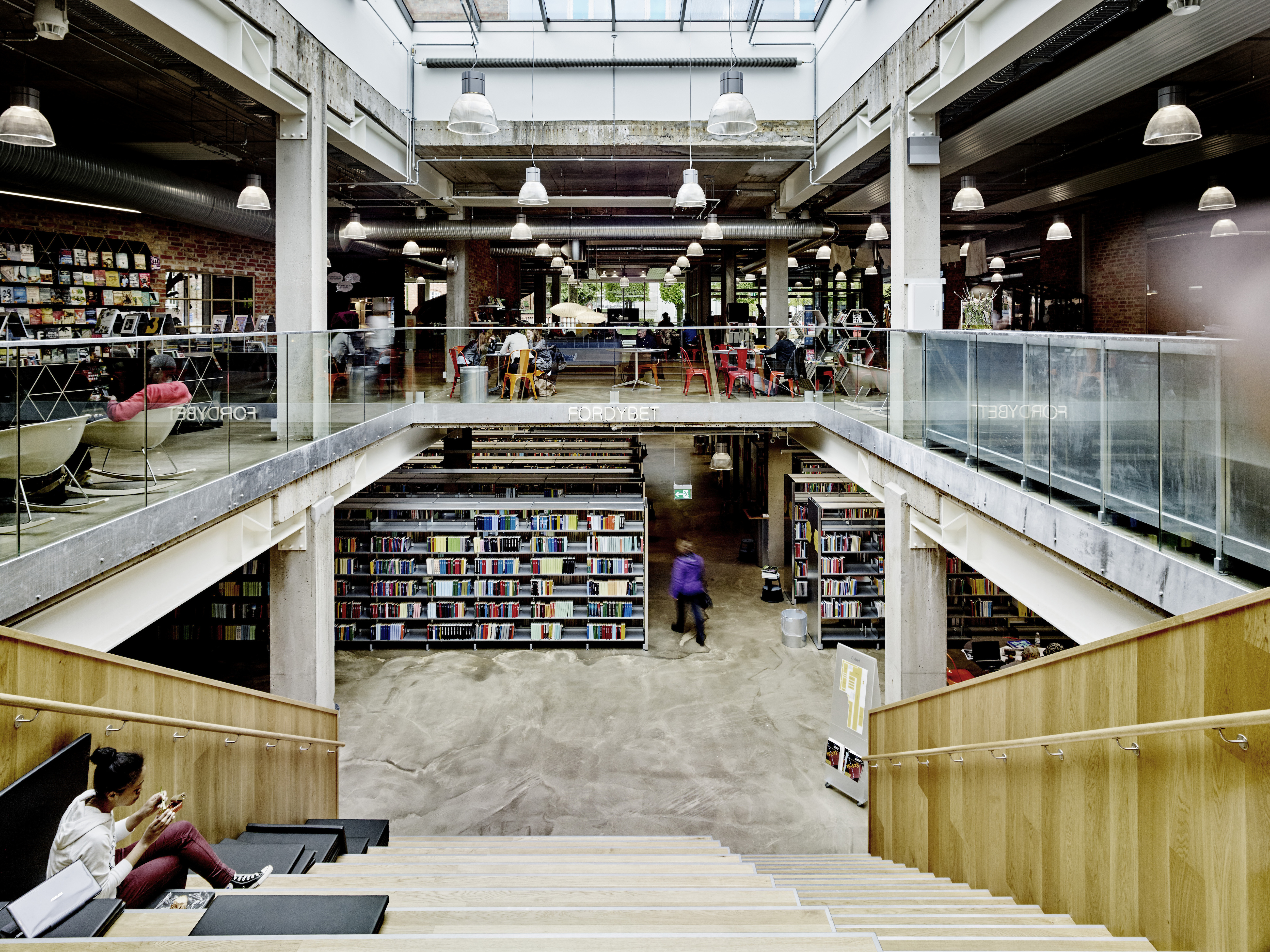 Photo of Herning Library by gpp architects and Kristian H. Nielsen Arkitekter. Photo Credit: Carsten Ingemann.